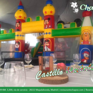 Castillo Hinchable para niños con animadora. Gratis