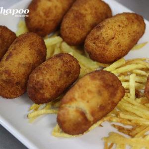 Croquetas caseras con patatas paja